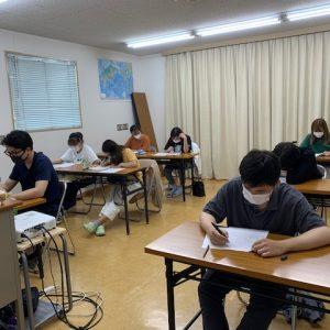 定期試験を行いました。